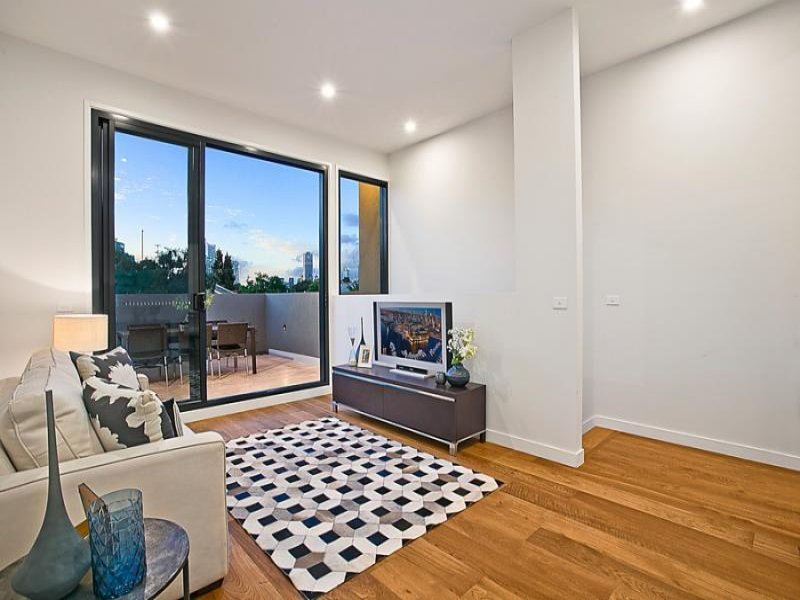 south yarra glass door